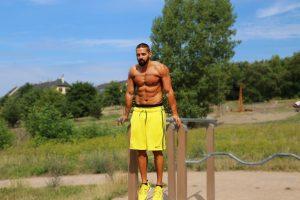 Que músculos trabalham com mergulhos?